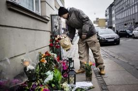 Flowers for the attacker 20150218-201209-100007