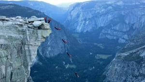 graham-hunt-wingsuit-yosemite