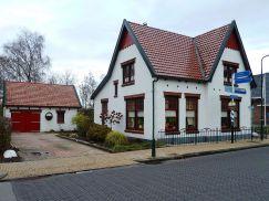 799px-Kollum_-_Voorstraat_7_-_van_links Koetsiershuis