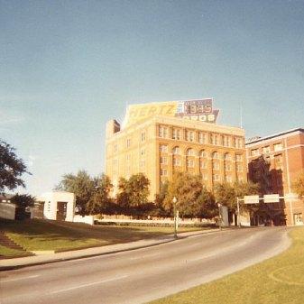 Dealey_Plaza_(1969)