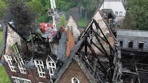 Gemeentehuis afgebrand