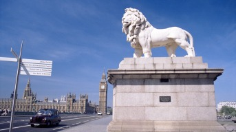 Big_Ben_near_the_lion_statue-London_Photography_Wallpapers_1920x1080