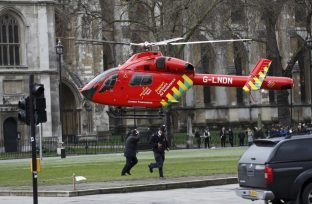 London attack helicopter 2017-03-22T154655Z_1_LYNXMPED2L1EW_RTROPTP_4_BRITAIN-SECURITY-900x589