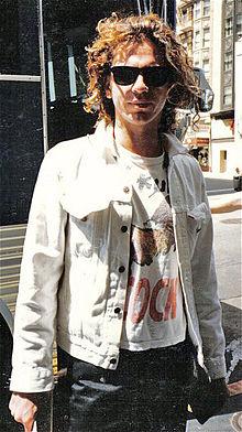 220px-Michael-hutchence-INXS-1986