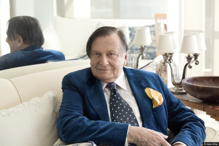 Barry-Humphries-1-Photo_Helen_White